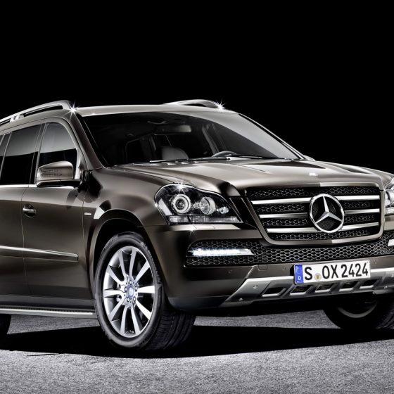 The Mercedes-Benz GL-Class 1