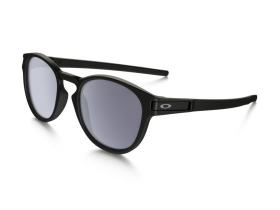 The Oakley glasses with latch 2