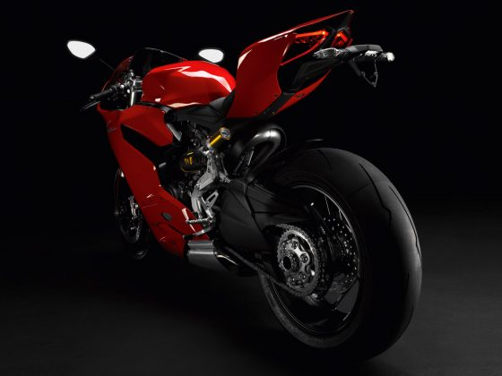 Ducati 1199 Panigale S: Back to Basics 1